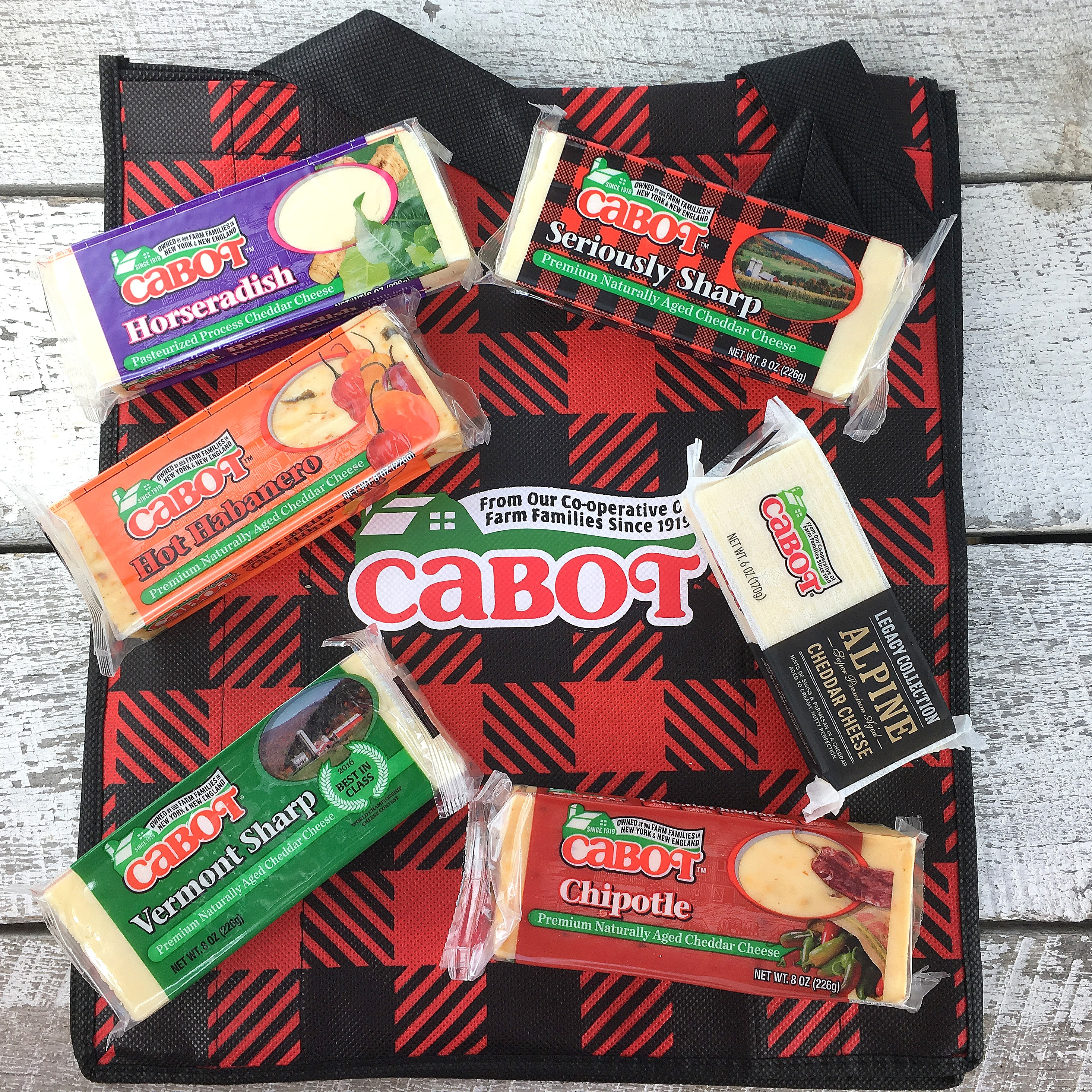 White cheddar and bacon macaroni salad dairymonth giveaway for Cabot