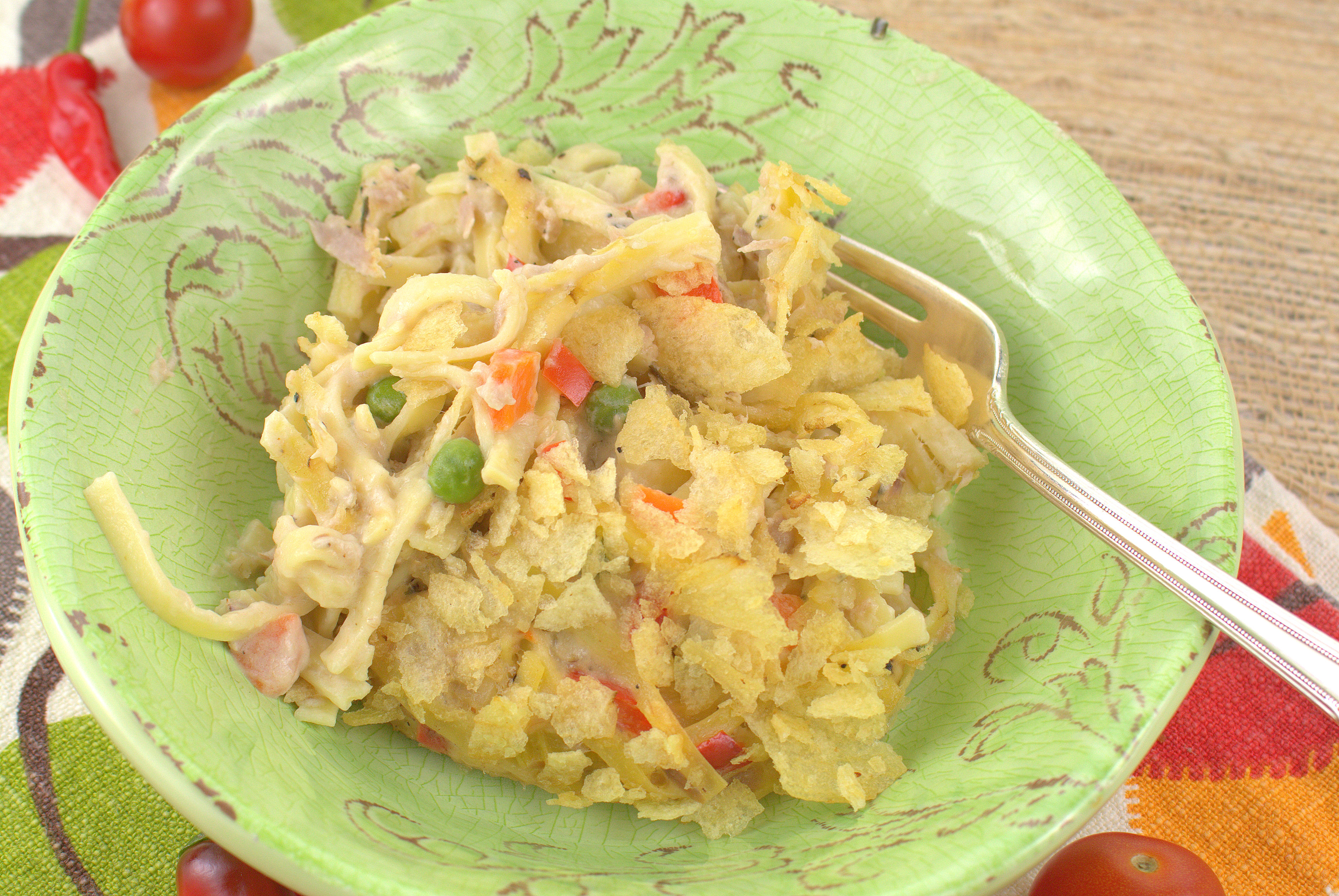 Tuna noodle casserole for Tuna fish casserole recipe